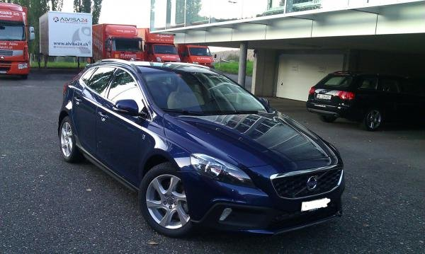Showcase cover image for tones's 2015 Volvo V40CC D3